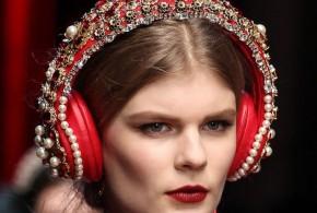 Auriculares de Dolce&Gabbana valorados en 8000 dolares.